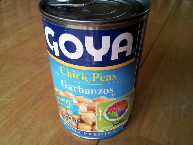 Can of chickpeas