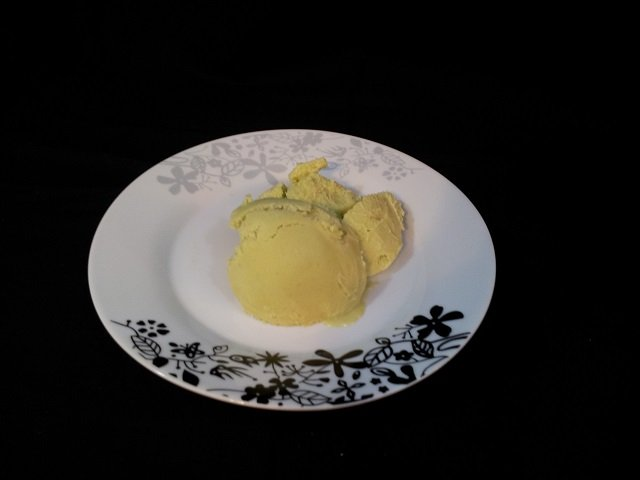 avocado ice cream recipe plated